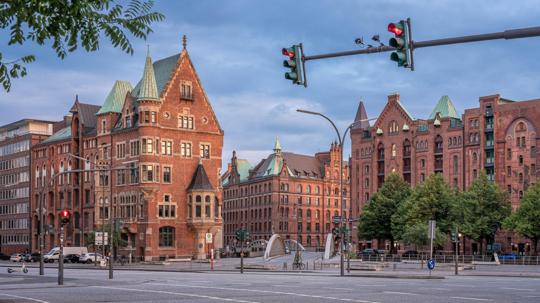 Sankt Annenplatz Hamburg / 20210805061445
