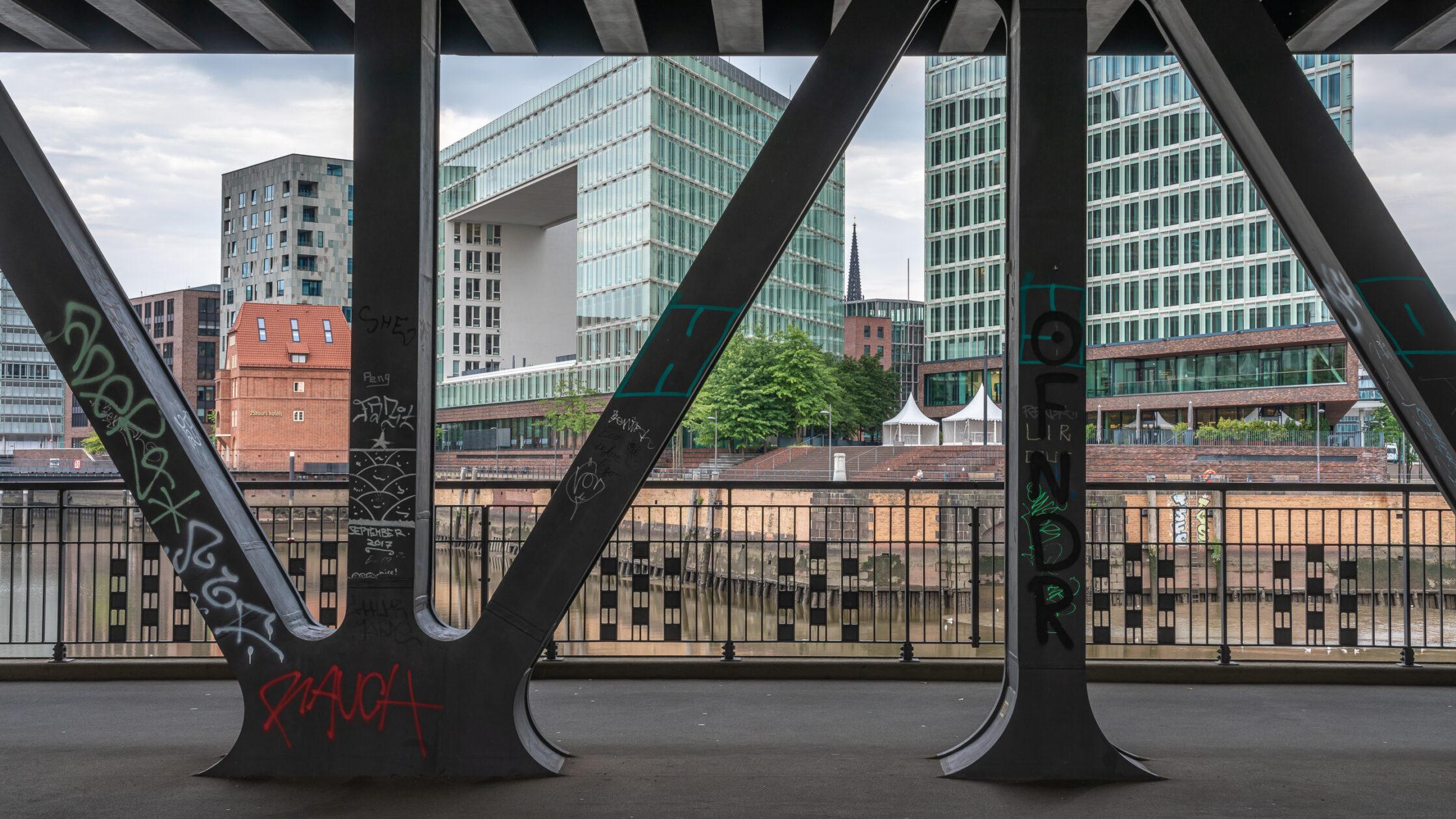 Oberhafenbrücke Hamburg / 20210805072548