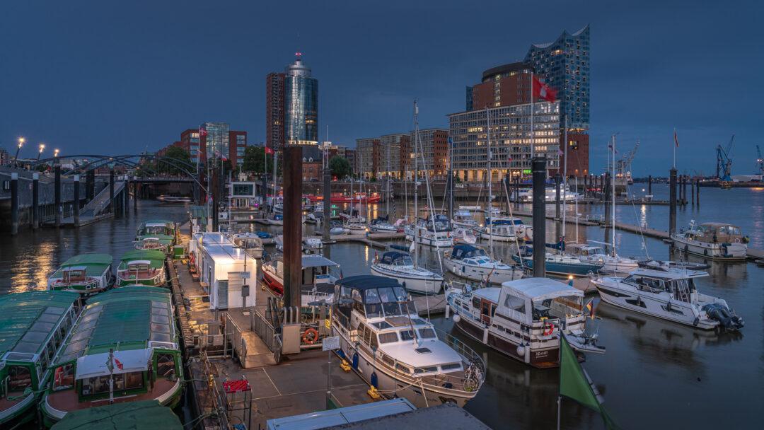 Brandenburger Hafen Hamburg / 20210805212306
